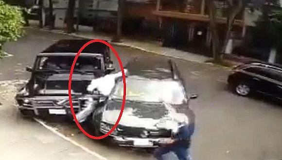 Hombre evitó robo y enfrentó a delincuentes en México