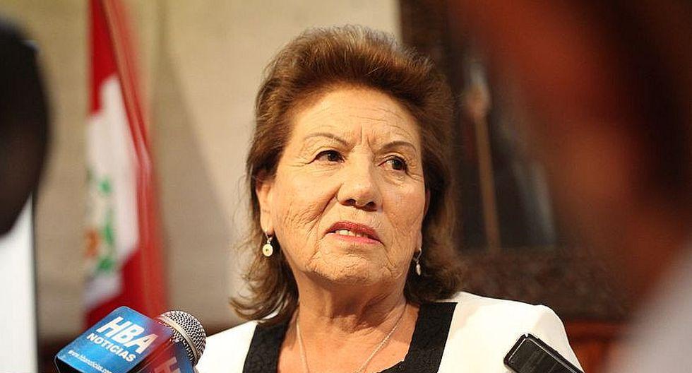 Alcaldesa de Arequipa pide sanción para congresista Moises Mamani