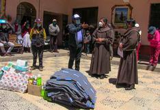 Llevan ayuda a comedor infantil de Puno