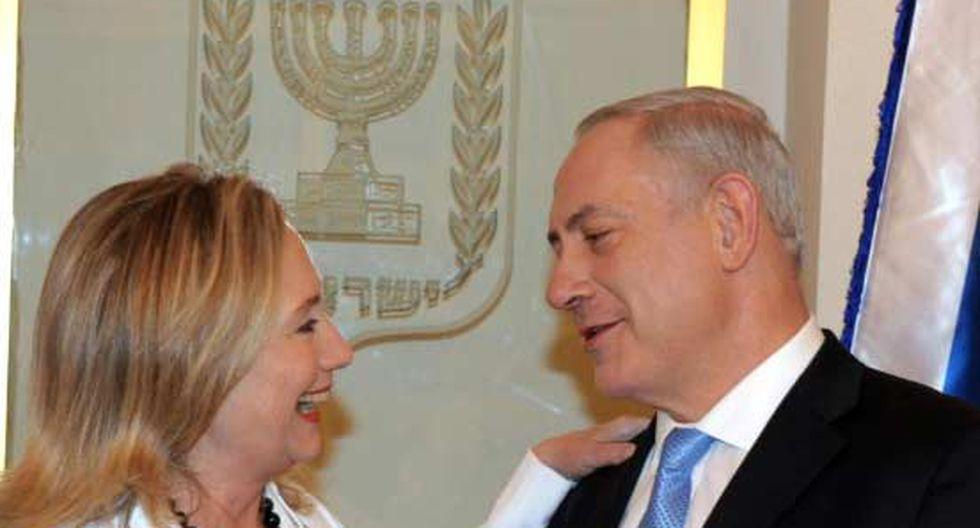 Hillary Clinton insta a Israel a actuar unidos en momentos de incertidumbre