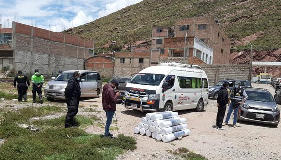 La droga estaba acondicionada en 17 rollos de tela tipo marroquín. (Foto: Difusión)