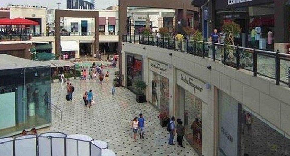 Clausuran 11 establecimientos de conocido centro comercial en Surco