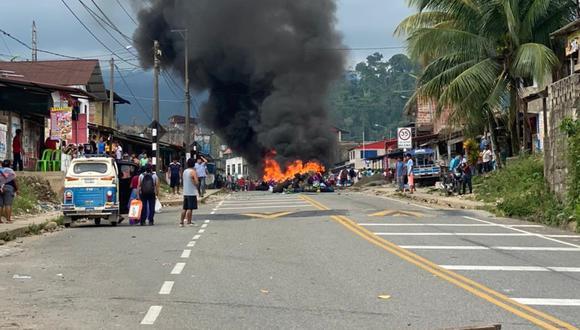 Los manifestantes apedrearon dos unidades que terminaron con daños materiales de consideración. (Foto: Difusión)