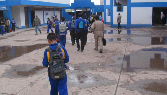 Sancionan a colegio María Auxiliadora por suspender clases
