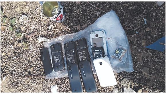 La bolsa habría sido lanzada desde el exterior. Los equipos móviles tenían todos sus componentes.
