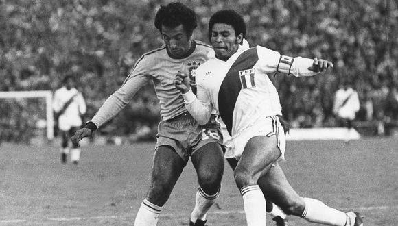 FIFA quiso destacar legado de Héctor Chumpitaz en el Mundial, pero lo confundió con otro jugador
