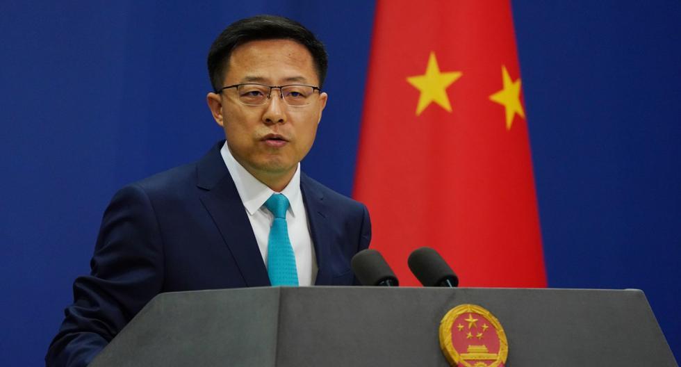 El portavoz del Ministerio de Relaciones Exteriores de China, Zhao Lijian, habla durante una conferencia de prensa diaria en Beijing. (EFE/EPA/WU HONG).