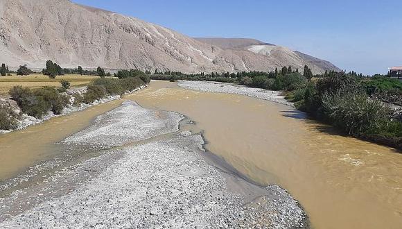 Identifican minerales en afluente de río Tambo