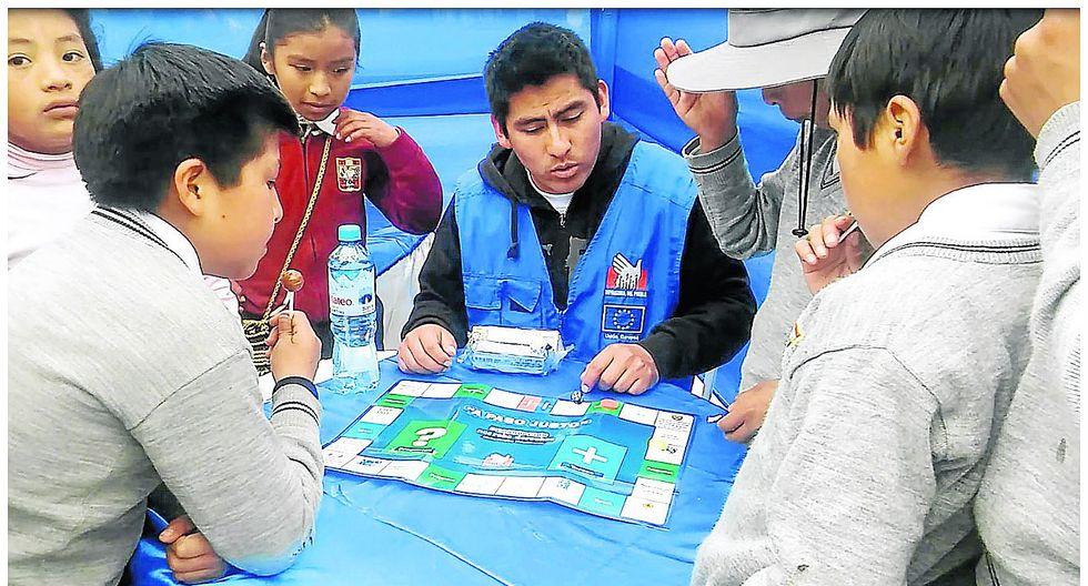 Con juegos divertidos enseñan sus derechos a niños de Huancavelica