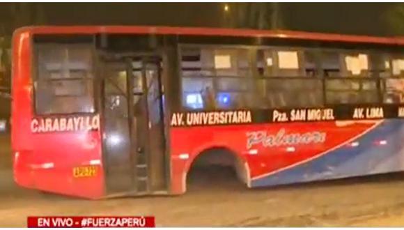 Bus se despista en Comas y termina sin sus llantas traseras. (Foto: Latina)