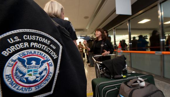 Dependiendo de cómo respondas a las preguntas que el agente de Aduanas te realice, tu ingreso podrá ser exitoso. Para ello, debes confirmar que visitas Estados Unidos de forma temporal (Foto referencial: Paul J. Richards / AFP)