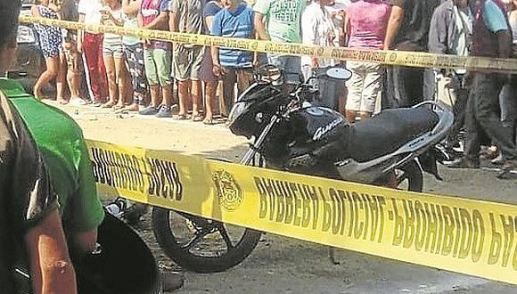 Sicarios asesinan de ocho balazos a dos profesores cuando regresaban a su casa