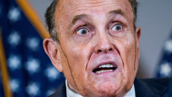 Rudy Giuliani es parte del equipo legal de Donald Trump desde 2018 y protege al presidente con discursos sobre teorías conspirativas, que se refieren principalmente a un posible fraude en el voto electoral. (Foto: EFE)