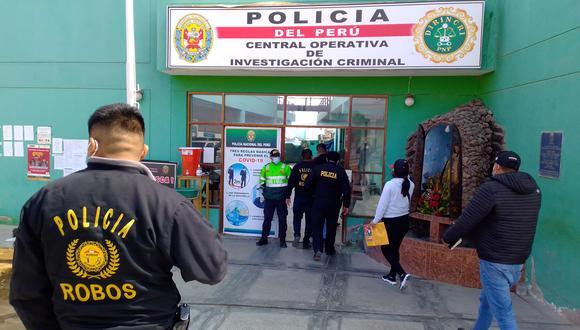Efectivos investigan el accionar del varón que ingresó a vivienda de su expareja. (Foto: Correo)