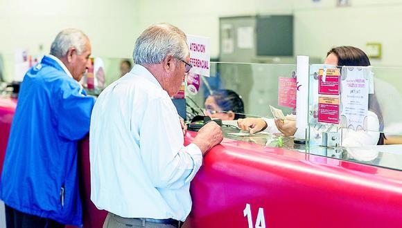 Poder reprogramar una deuda no será de manera automática, previamente la persona deberá pasar una evaluación (Foto: Andina)