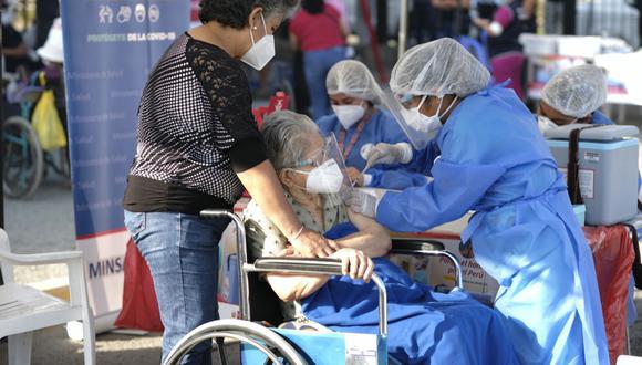 Las jornadas de vacunación contra el COVID-19 serán todos los días desde el 30 de abril. (Foto: Minsa)