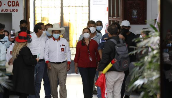 Dos reuniones fueron necesarias para llevar adelante una declaración conjunta entre Castillo y Verónika Mendoza, excandidata presidencial de JPP y lideresa de Nuevo Perú (NP) de cara a la segunda vuelta.