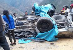 Tres personas murieron tras despiste de camioneta