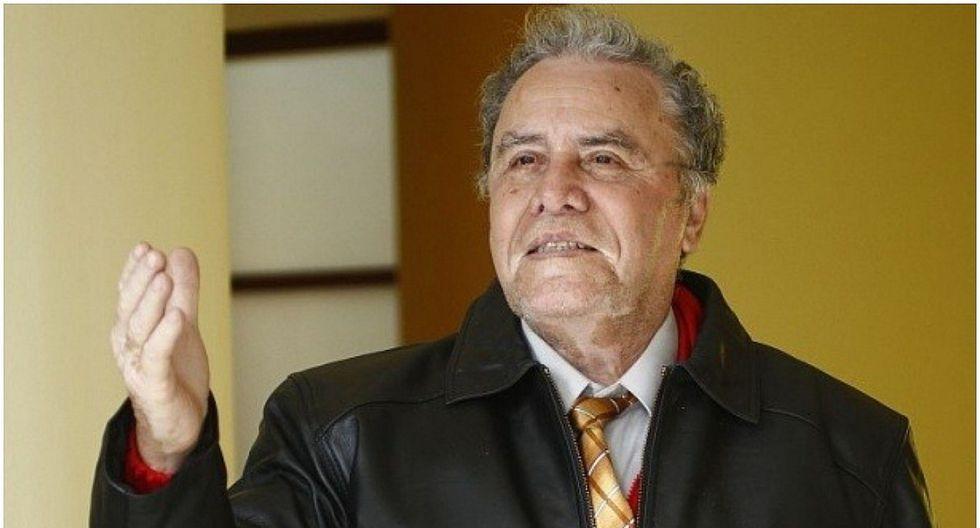 Augusto Polo Campos es sometido a tratamiento especial por descompensación