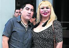 Susy Díaz bota a la calle juego de comedor que le regaló Walter Obregón