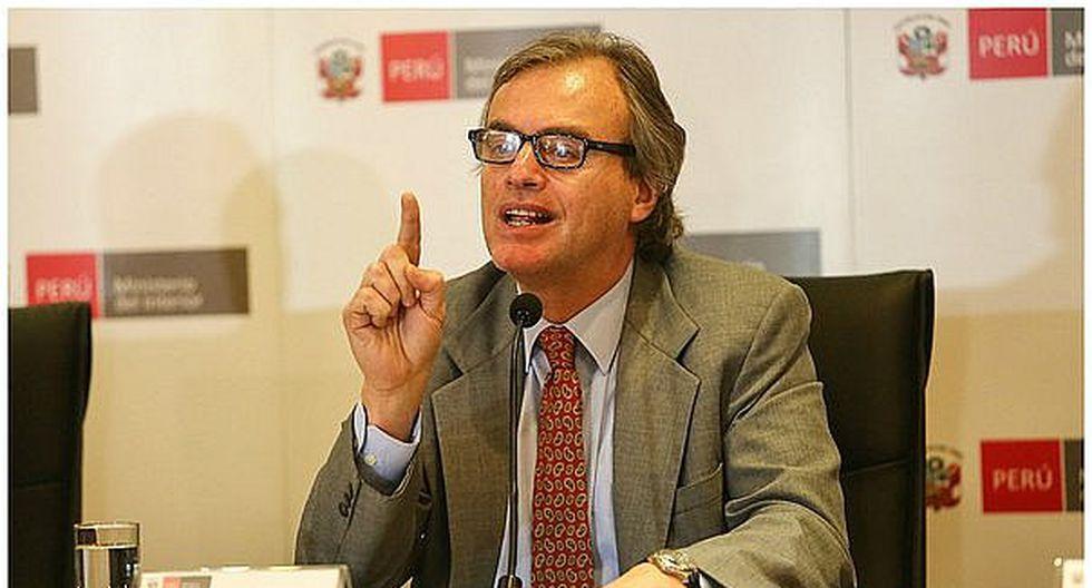 Congresistas piden citar a ministro Basombrio por resguardo a reality Combate