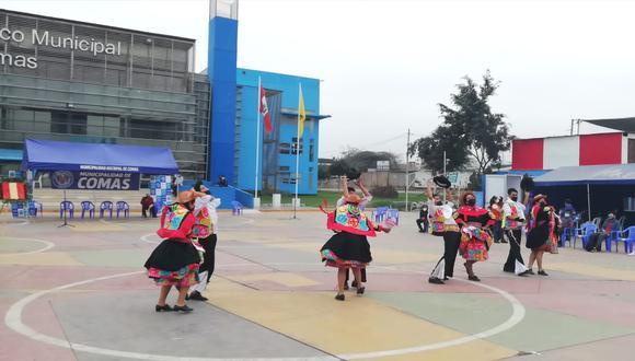 Diferentes grupos danzaron los bailes más típicos de nuestro país en Comas. (Foto: Municipalidad de Comas)