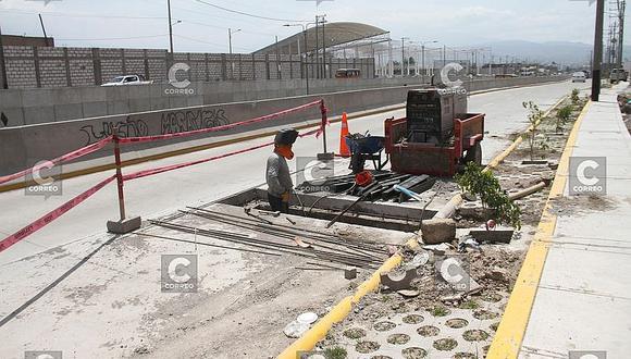 Las calles de los distritos de Sachaca y Tiabaya se usaron para desviar el tránsito y no las arreglaron hasta el momento. (FOTOS)