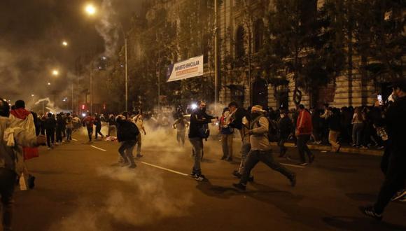 El último jueves se produjeron diversos enfrentamientos entre la Policía y }manifestantes en el Centro de Lima. (Foto: GEC)