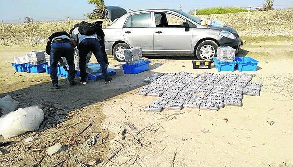 Incautan 320 kilos de droga en playa de Paracas