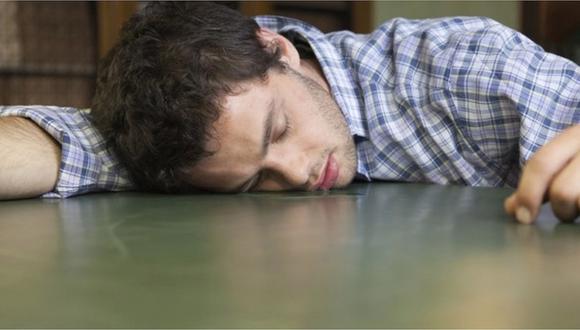 Babear mientras duermes sería una buena señal de salud, según científicos