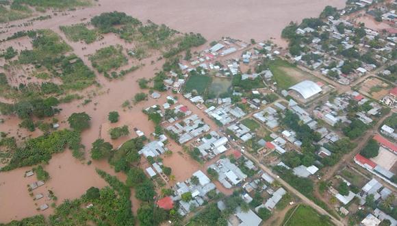 Desbordes en Chanchamayo y Oxapampa afectan vías y población