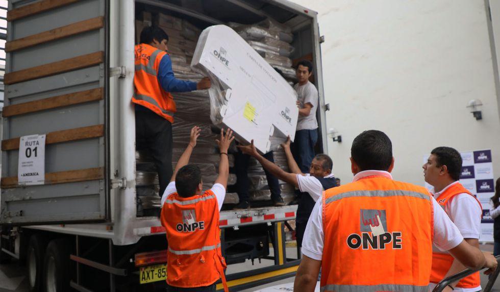 Se inició la fase de despliegue del material electoral para las Elecciones Congresales Extraordinarias en la sede de la Cancillería. (Foto: Difusión)
