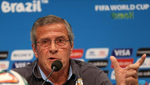 Técnico uruguayo renuncia a cargo en FIFA por Luis Suárez