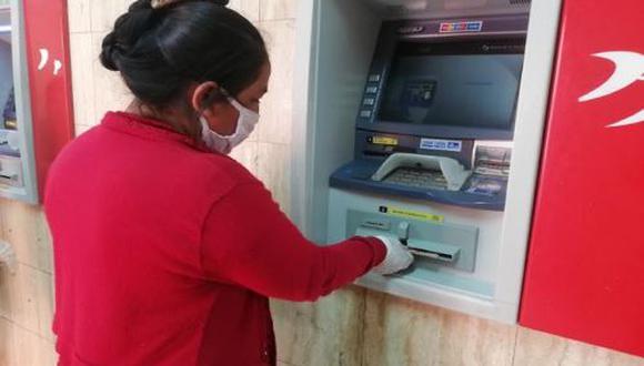 ¿Qué hacer si no tengo un celular personal y quiero cobrar el Segundo Bono Universal por la Banca Celular? (Foto: Andina)