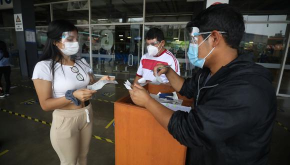 """""""Traer un contenedor (de insumos plásticos) desde Asia ha subido de US$ 60 a US$ 350 por tonelada"""", dijo la SNI. (Foto: Britanie Arroyo / GEC)"""