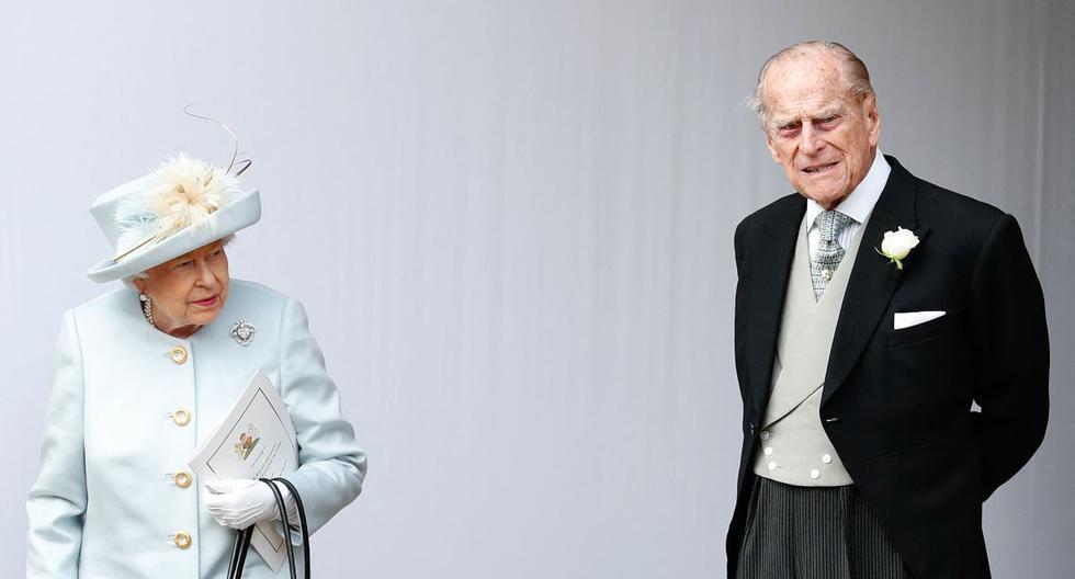 En esta foto de archivo tomada el 12 de octubre de 2018, la reina Isabel II de Gran Bretaña y su esposo el príncipe Felipe, duque de Edimburgo. (Foto de Alastair Grant / POOL / AFP).