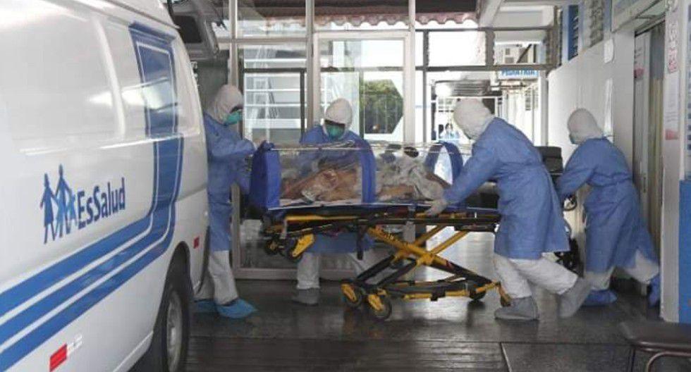 Ica: Paciente con coronavirus fue retirado de hospital Félix Torrealva de Essalud y fue llevado a Lima.