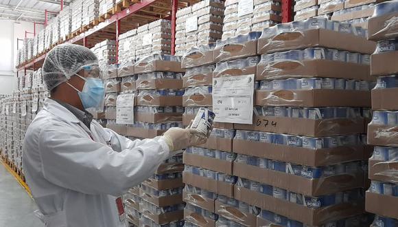 Programa social supervisa almacenes de proveedores para garantizar inocuidad y calidad de productos, antes de su reparto a colegios.