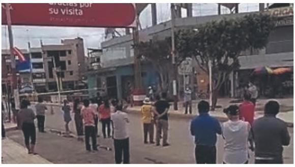 Comerciantes realizaron manifestación pacífica en la frontera y señalaron que se ve afectados en sus negocios.