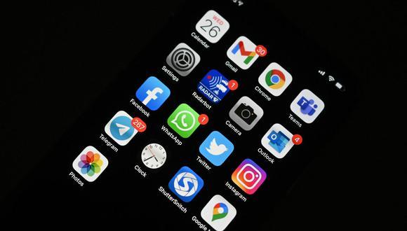 ¿Qué aplicaciones puedo usar para chatear si vuelve a caer WhatsApp?. (Foto: Sajjad HUSSAIN / AFP)