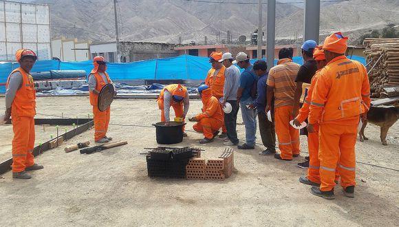 Trabajadores paralizan obra del  Consorcio Camisea por falta de pagos