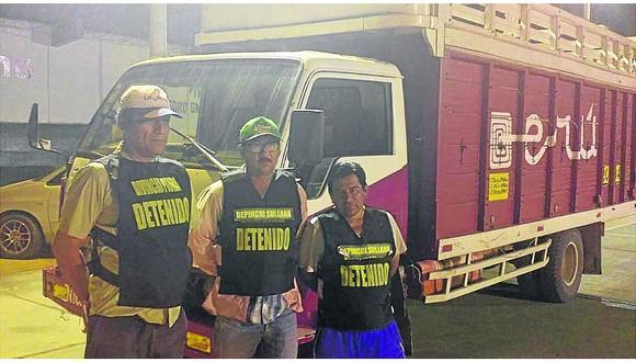 Depincri Sullana interviene a tres personas en camión con 800 kilos de palo santo