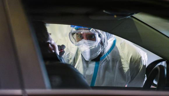 El número de casos activos se sitúa en unos 20.000 y el número total de positivos desde que se diera a conocer el primer caso de contagio en el país a finales de enero se sitúa en 265.857. (Foto referencial/ Ina FASSBENDER / AFP)