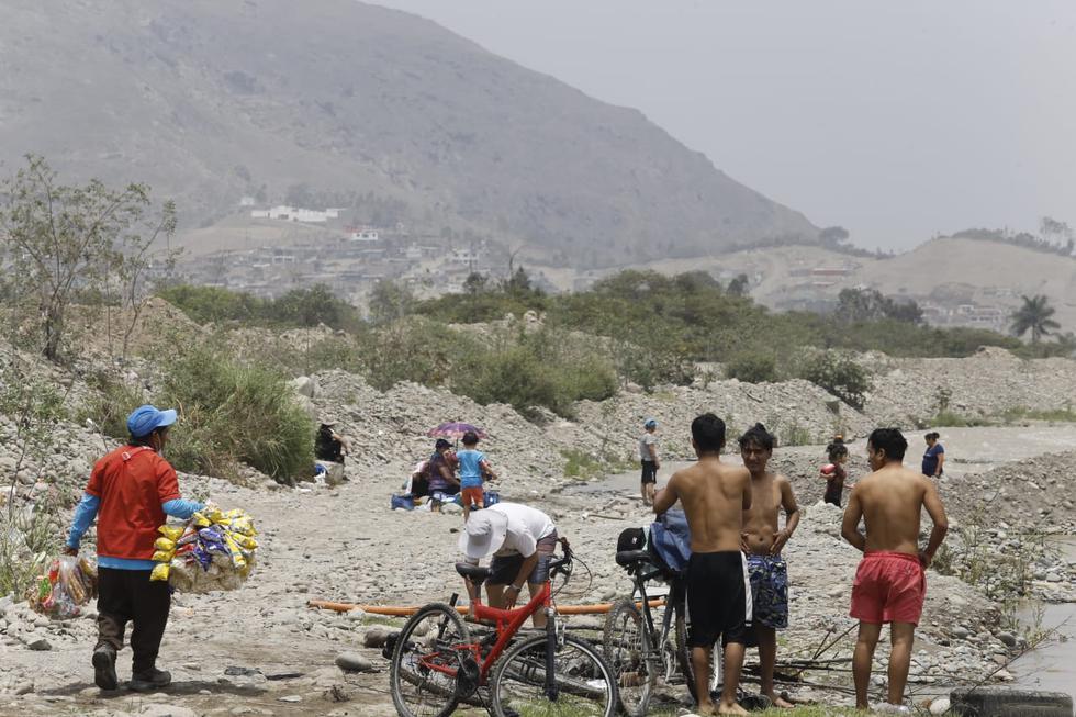 familias-pasan-el-dia-en-el-rio-lurin-pese-a-restricciones-en-uso-de-playas-fotos