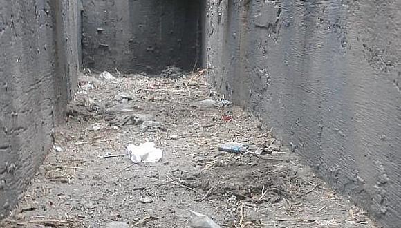 Malos pobladores vuelven a llenar de basura drenajes de Cayma
