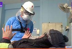 Sacerdote y hermanas visitan a enfermos por COVID-19 en Hospital Dos de Mayo