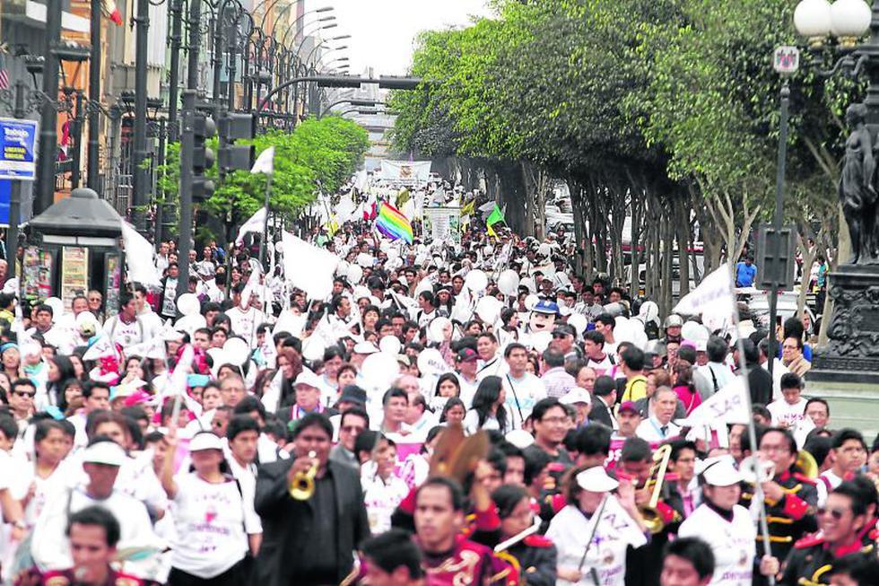 Marcha contra el terror fue multitudinaria