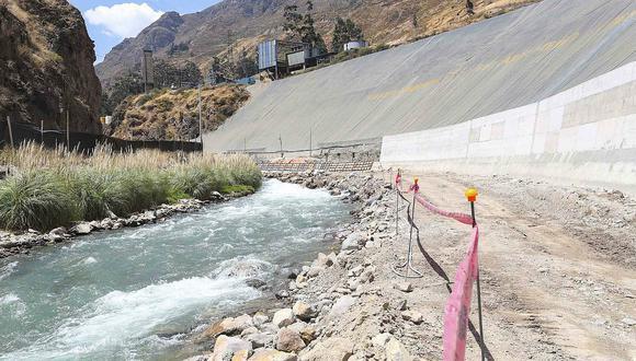 Estudiantes peruanos diseñan nueva tecnología para el tratamiento de agua