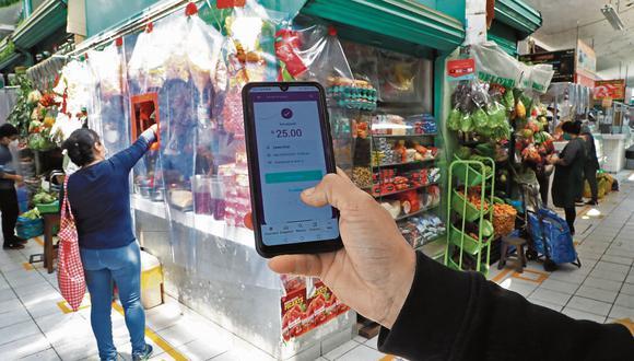 Los pagos digitales han incrementado en un contexto de pandemia por evitar el contacto con el vendedor. (Hugo Curotto/GEC).