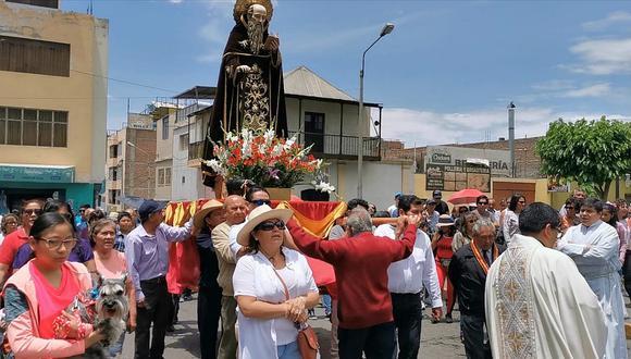 Parroquia San Antonio de Miraflores bendijo a mascotas arequipeñas
